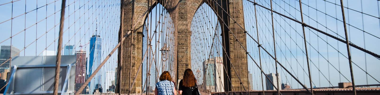 Make the most of your trip to the Brooklyn Bridge.