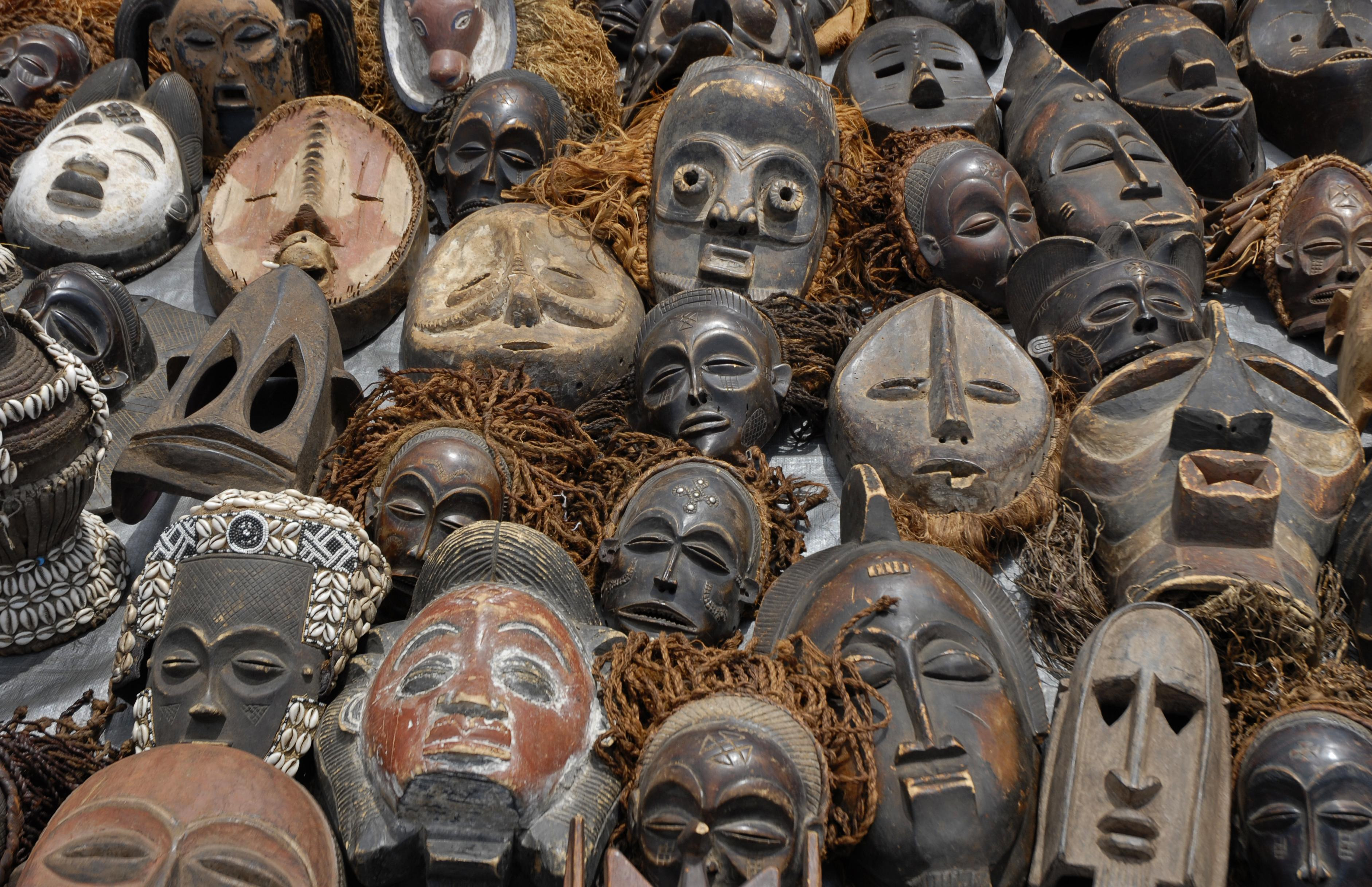 Tips for Visiting Craft Markets in Victoria Falls