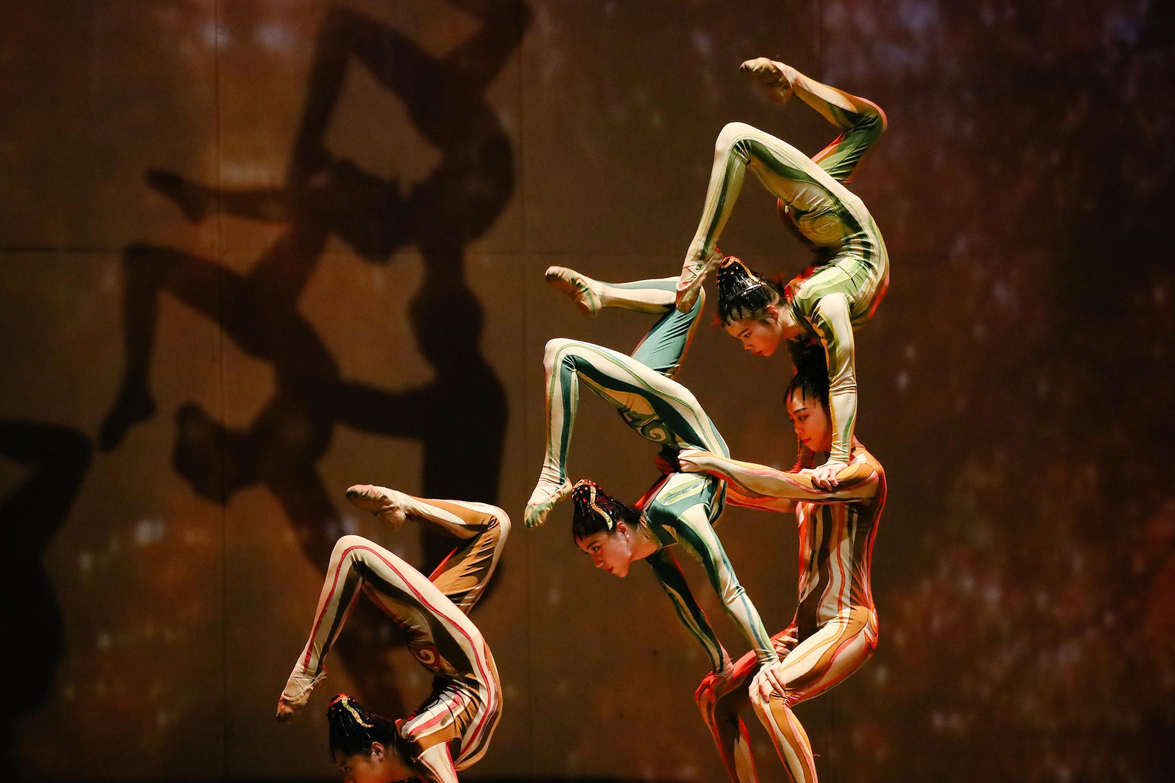 Acrobatic Shows in Shanghai