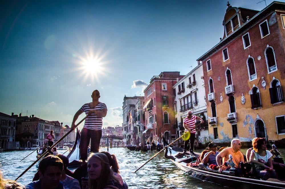 Visite Veneza em Português