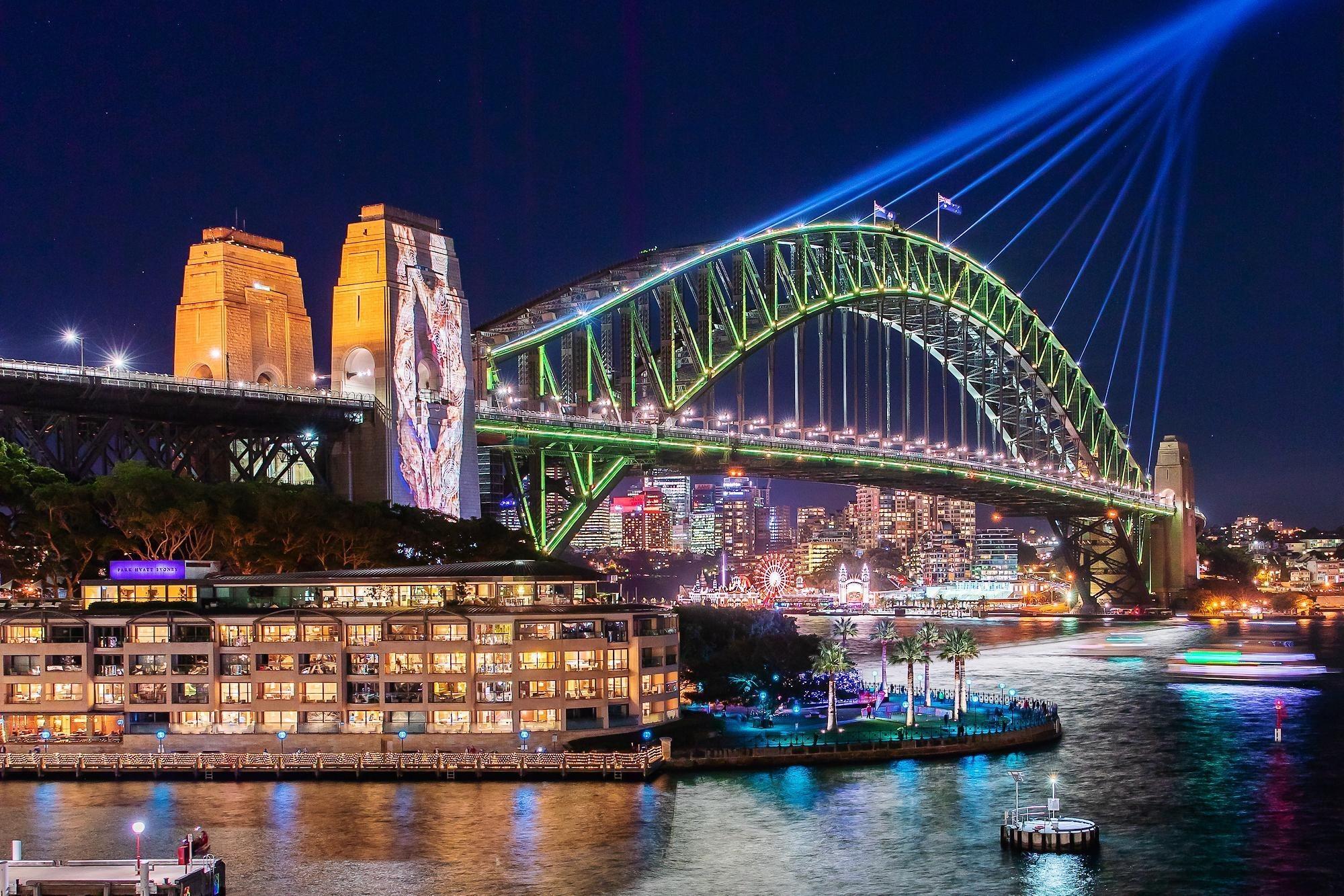 How to Experience VIVID Sydney