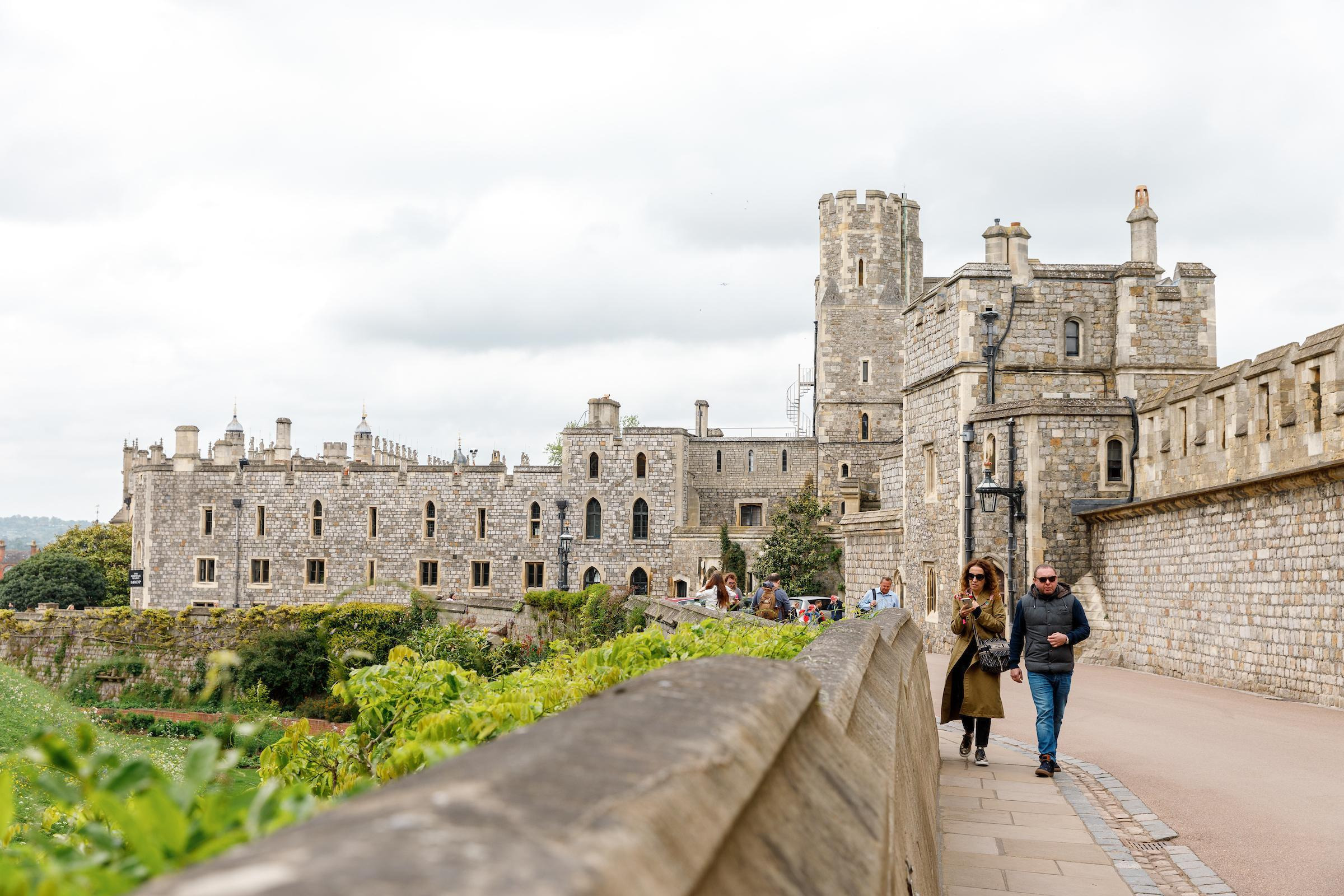 Stonehenge and Windsor Castle Tours from London