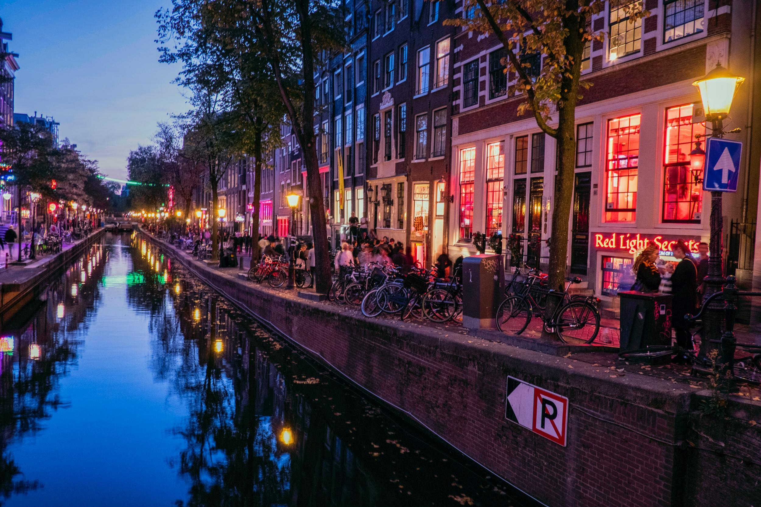Amsterdam Neighborhood Guide