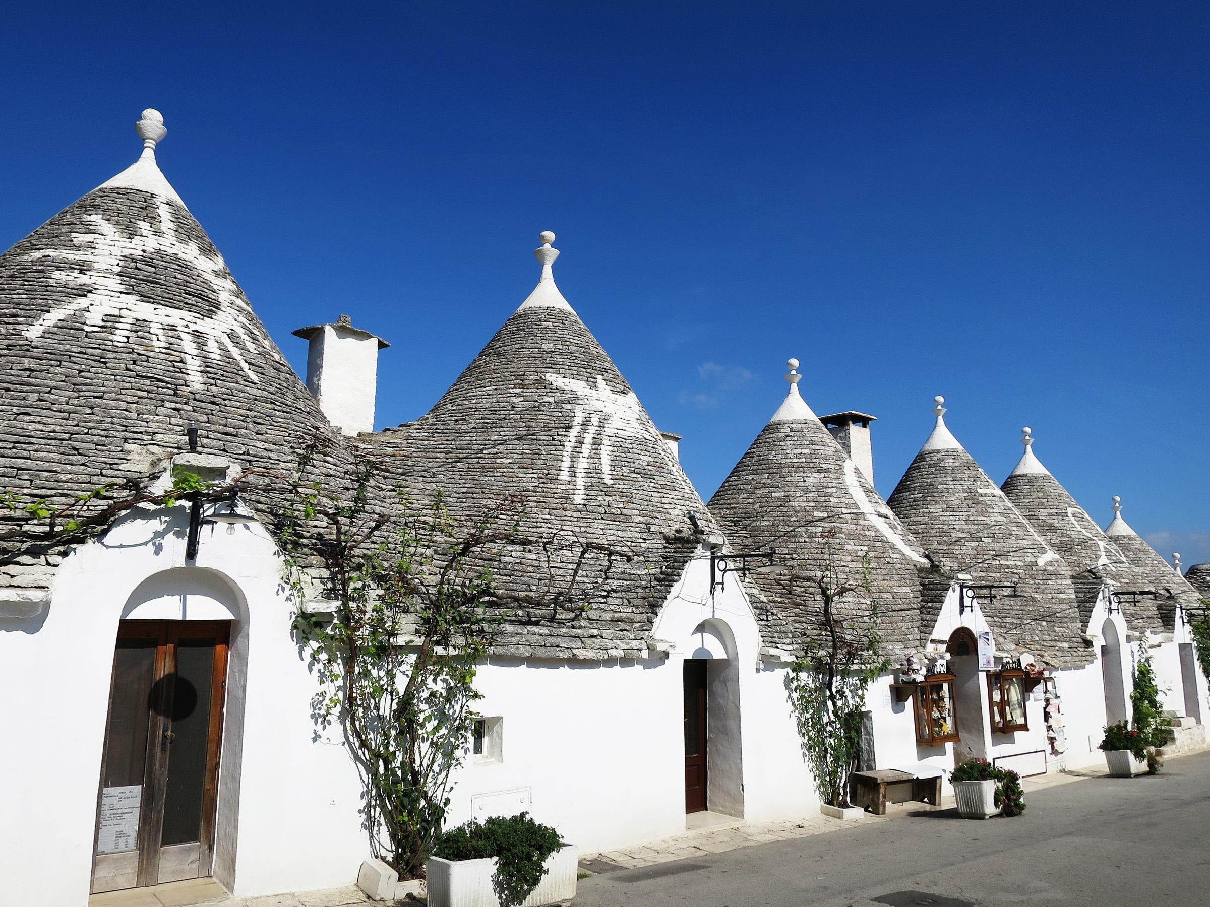 How to Spend 2 Days in Alberobello and Locorotondo