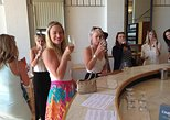 Yarra Valley Icons Guns Tour from Melbourne Including Lunch and Local Guide