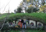 2-Day Hobbiton, Rotorua, Waitomo Caves Tour from Auckland with Accommodation