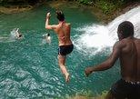 Blue Hole und River Tubing von Montego Bay