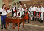 Old Town Tour and Dinner with Folk Show in Prague
