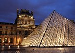 Skip the Line: Evening Louvre Express Guided Tour and Local Wine Tasting