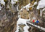 Excursión por el hielo para grupos pequeños por Johnston Canyon, Banff. Banff, CANADA