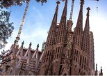 Sagrada Familia: Fast Track Guided Tour with Tower Access