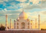 Taj Mahal & Agra Fort Tour By Private Car With Skip The Line Entrance Tickets
