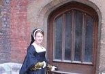 Hampton Court Tour - Secrets of a Tudor Palace