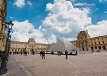 Skip-the-line: Louvre Museum Highlights small group Guided tour