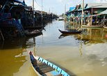 Discover floating life in great lake of South of Asian