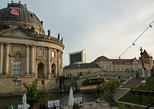 2-HOURS PRIVATE CUSTOM BERLIN TOUR WITH A LOCAL GUIDE