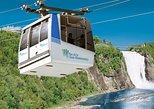 Entrada a las cascadas de Parc de la Chute-Montmorency y teleférico. Quebec, CANADA