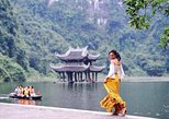Amazing Ninh Binh: Trang An boat trip - Bike to Bich Dong Pagoda - Like a local