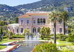 The discreet charm of the bourgeoisie (from Nice)
