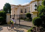 Self-Guided Celebrity Homes & Movie Sites Bike Tour with Transport from Anaheim