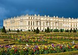 Guided tour of the Palace of Versailles and gardens from Paris by private car