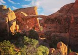 Devil's Garden Guided Hike: Arches National Park