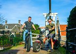 E-scooter tour 2.5 hours including coffee cake and cultural stop Volendam & Edam
