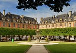 Private History Walking Tour in Paris for Teens & Family