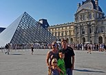 Skip-the-line Paris Louvre Museum Private Guided Tour w Kid-Friendly Activities