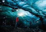 Eishöhlentour in kleiner Gruppe im Gletscher Vatnajokull