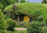 Hobbiton Movie Set & Waitomo Caves Small Group Tour from Auckland (Return Trip)