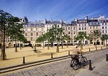 Secrets of Marie Antoinette: Small-group walking tour of Paris with guide
