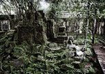 2-Days Private Tour Explore Angkor Wat, Beng Mealea Temple and Floating Village