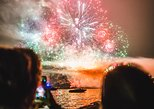 4-Hour Bowen Island Festival of Lights Boat Tour with Dinner from Vancouver