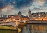 Haunted Paris Walking Tour & City Game: The Mona Lisa Murder Mystery
