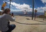 Excursión a La Mitad del Mundo y el teleférico de Quito. Quito, ECUADOR