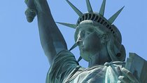 New York City Package: Statue of Liberty Reserve Ticket, THE TOUR and Lunch or Dinner Tickets