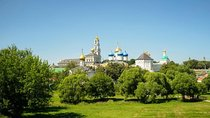 Private Day Trip to Sergiev Posad from Moscow Including Holy Trinity Lavra Tickets