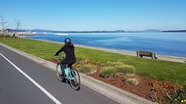 Vancouver Island Cycling Tour including Lunch and Wine Tasting Tickets