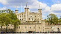 Tower of London Entrance Ticket Including Crown Jewels and Beefeater Tour