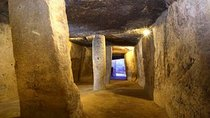 Antequera: Private Tour, El Torcal and Dolmens with Aperitif