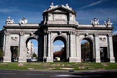Imagen Besichtigungstour in Madrid mit dem Bus, optional mit Besuch des Santiago-Barnabéu-Stadions oder Seilbahnfahrt