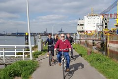 Half-Day Small-Group Harbor Bike Tour in Rotterdam