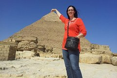 Private Pyramid Tour of Giza Saqqara and Memphis with Guide from Cairo including Airport Transfers Private Car Transfers