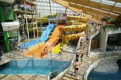 La entrada de medio día para Aquapalace Prague incluye traslado de ida y vuelta