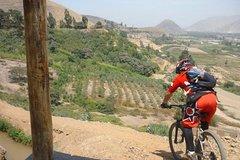 Imagen Road to Pachacamac Private Bike Tour