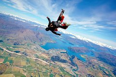 Imagen 3-Hour Tour From Wanaka: Tandem Skydive From 12,000 Feet
