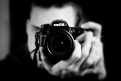 1-Hour Paris Walking Tour with a Personal Photographer