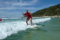 Imagen Rainbow Beach Surf School: 2 Hour Main Beach Surf Lesson