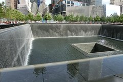 Imagen 9/11 Memorial, Battery Park and Wall Street Walking Tour